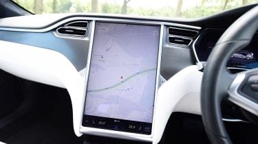 Tesla Model S 75D - sat-nav