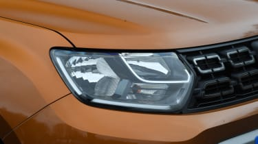 Dacia Duster: long term test review - headlights