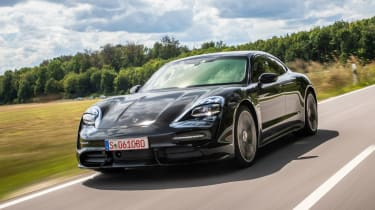 Porsche Taycan - front tracking