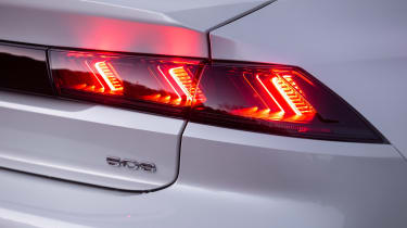 Peugeot 508 Hybrid - rear lights