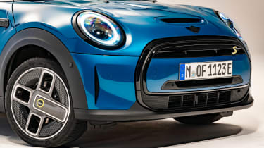 MINI Electric facelift - grille