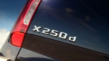 Mercedes X-Class - taillight