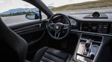 Porsche Panamera Turbo S E Hybrid - interior