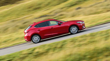 Mazda 3 2016 - side tracking