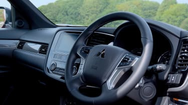 New 2019 Mitsubishi Outlander PHEV interior