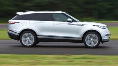 Range Rover Velar - side action