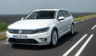 Volkswagen Passat GTE Estate - front tracking