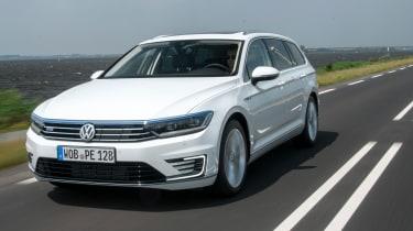 Volkswagen Passat GTE Estate - front tracking