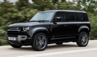 Land Rover Defender V8 - front