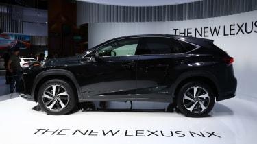 Frankfurt - Lexus NX 300h - side