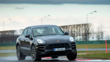 Porsche Macan Turbo 2014 action 2