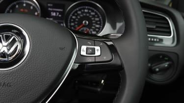 Volkswagen Golf 1.0 petrol - steering wheel detail