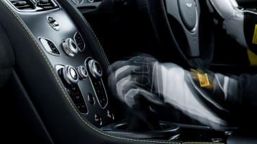 Aston Martin V12 Vantage S 2016 - manual gearbox