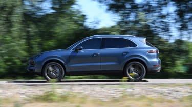 Porsche Cayenne S - side