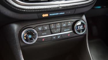 Ford Fiesta Vignale - centre console controls