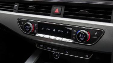 Audi A5 Coupe 2.0 TDI - centre console