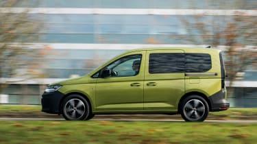 VW Caddy 2020 MPV - panning