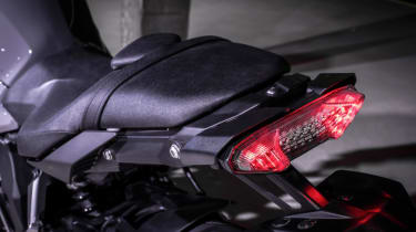 Yamaha MT-10 review - brake lights