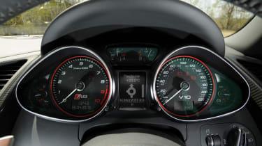 Audi R8 V10 Spyder dials
