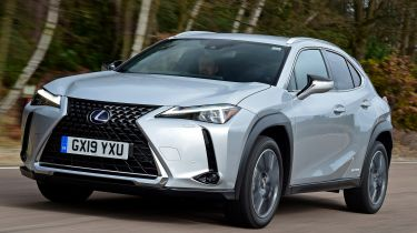 Lexus UX - front tracking