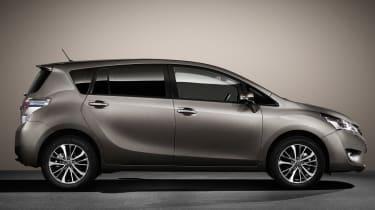 Toyota Verso 2016 - European model side static