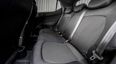 Hyundai i10 Play - rear seats