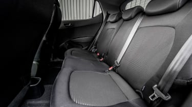 Hyundai i10 Play - rear seats