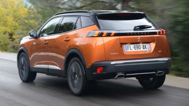 Peugeot 2008 - rear tracking