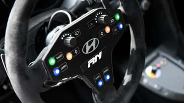 Hyundai RM19 - steering wheel