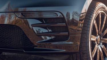 Range Rover Velar R-Dynamic Black - front detail