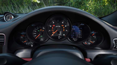 Porsche 911 Targa GTS - dials