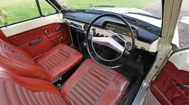 Volvo 121 Amazon police car - interior