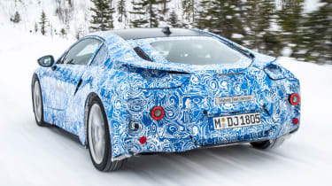 BMW i8 rear tracking