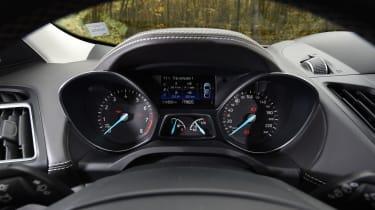 Ford Kuga Vignale 2016 - instruments