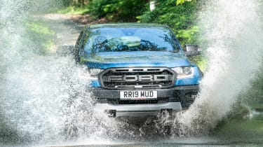 Ford Ranger Raptor - water