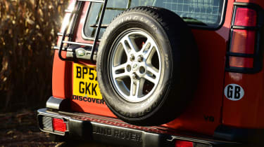 Land Rover Discovery Mk2 - spare wheel