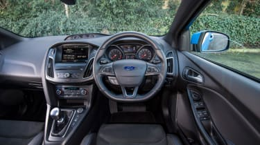 Ford Focus RS - cockpit