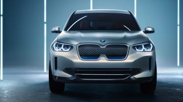 BMW iX3 - full front
