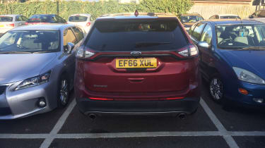 Ford Edge - parking