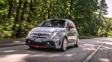 Abarth 595 Esseesse - front tracking