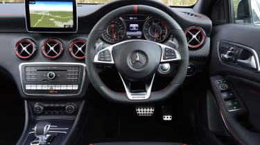 Mercedes-AMG A45 - dash