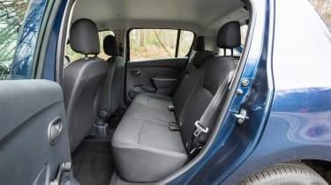 Dacia Sandero facelift - rear seats