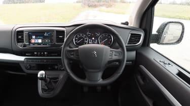 Peugeot Traveller 2017 - interior