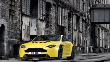 Aston Martin V12 Vantage S 2014 static