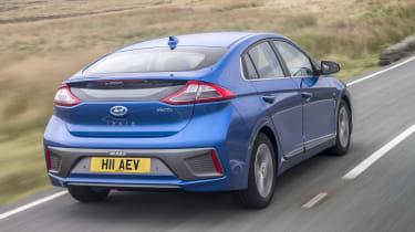 Hyundai IONIQ EV 2016 UK - rear tracking