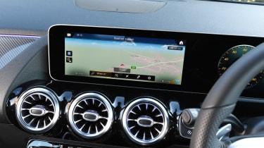 Mercedes b-class infotainment