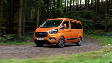 Ford Transit Custom Nugget - front cornering
