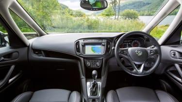 Vauxhall Zafira Tourer 2016 dash