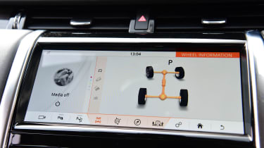 Land Rover Discovery Sport D180 first report - infotainment