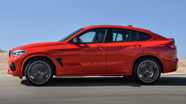 BMW X4M - side tracking